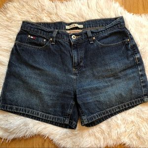 Tommy Hilfiger Boyfriend Short Size 8 Medium Wash